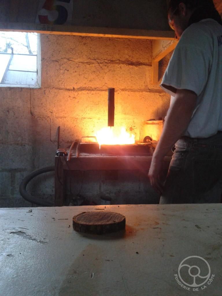 Chauffage du tampon au feu de forge