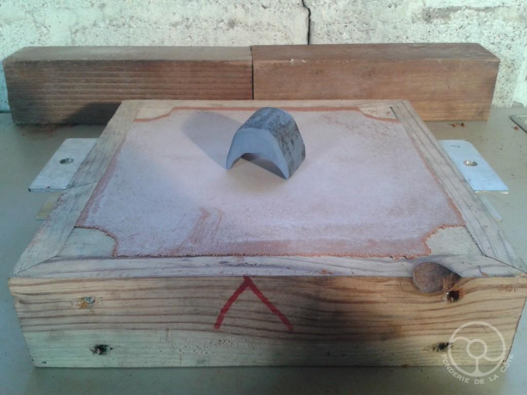 Moulage en silicone bi-composant du logement de pivot usé